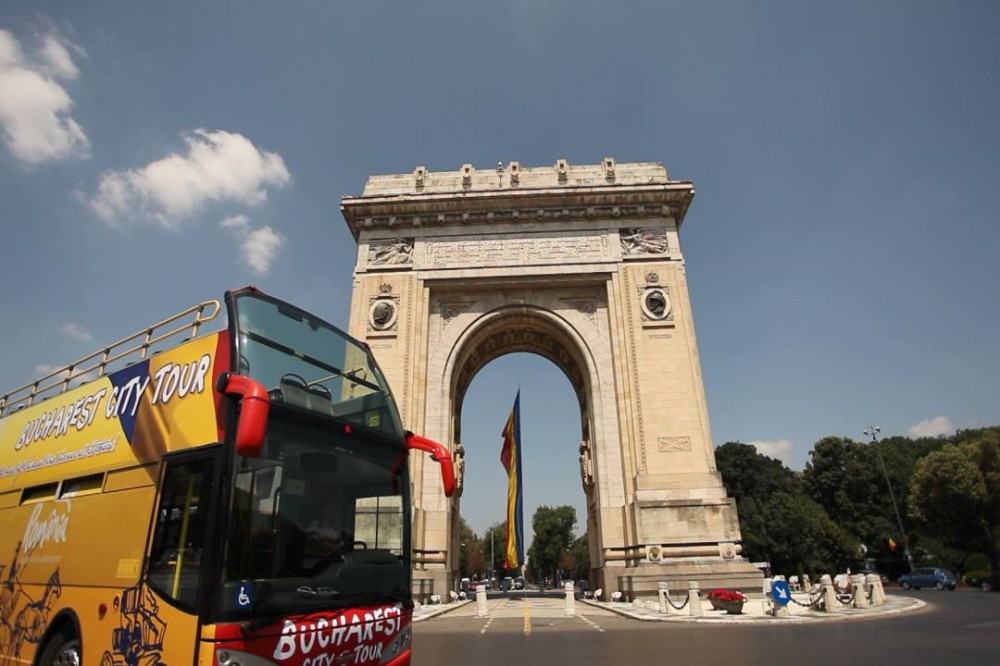 Autobuzele supraetajate revin de luni în Bucureşti. Copiii beneficiază de reduceri