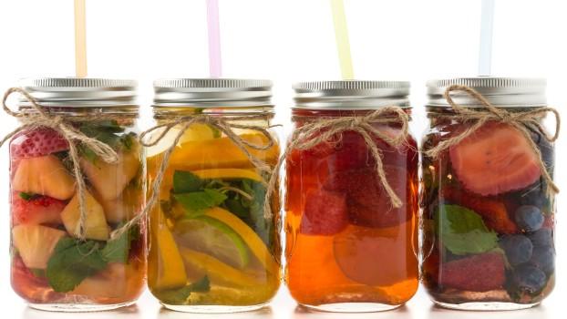 Hidratare pe caniculă: Apă cu arome naturale pentru copii
