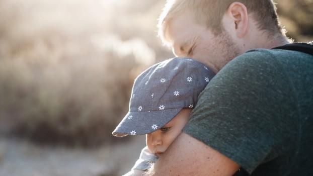 Cât de ușor fac copiii insolație? Simptome și tratament