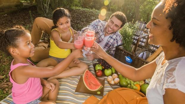 5 gustări sănătoase pentru un picnic distractiv