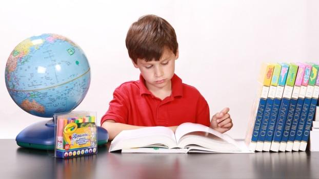 Elevii de clasa a V-a vor avea manual la Educaţie fizică. Decizia criticată de părinți
