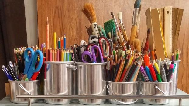 Începe școala! 5 accesorii pe care le poți confecționa împreună cu juniorul tău