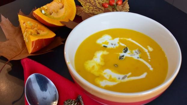 Supă cremă de dovleac. O rețetă marca Jamie Oliver
