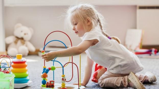 5 activități Montessori pentru copilul tău de 4 ani