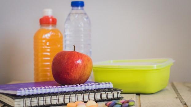Pe lângă lapte, corn și măr, copiii din România vor mai primi un alt aliment la școală