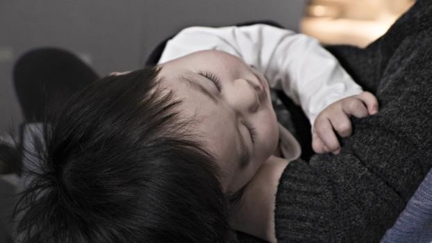 Deshidratarea la copii: Ce măsuri trebuie să aplici și când e cazul să mergi la Urgențe?