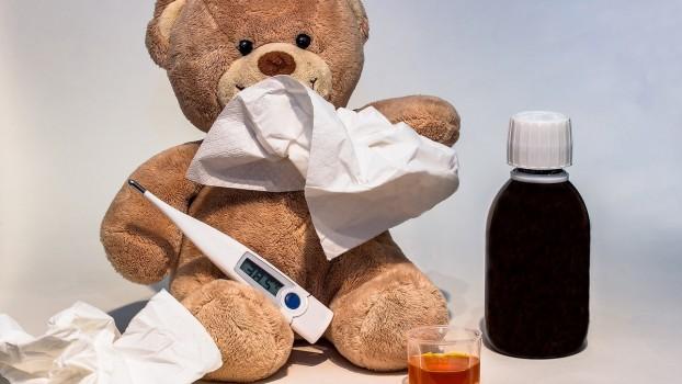 Febra, simptomul comun afecțiunilor la copii. Când trebuie să te alarmezi și care este tratamentul corect?
