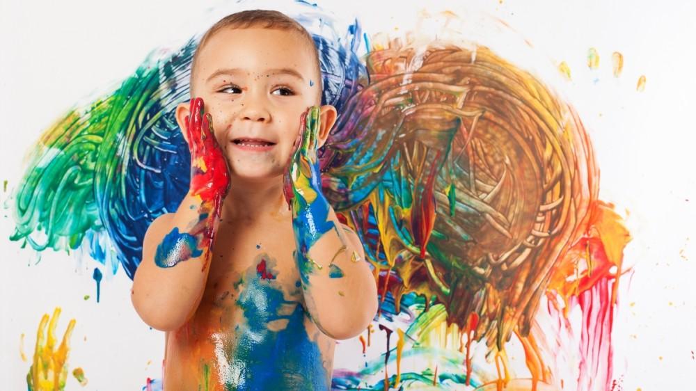 Cum poți transforma desenele de pe pereți în opere de artă