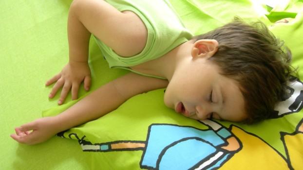 Sforăitul la copii. Când reprezintă o tulburare de somn și ce măsuri trebuie să iei?