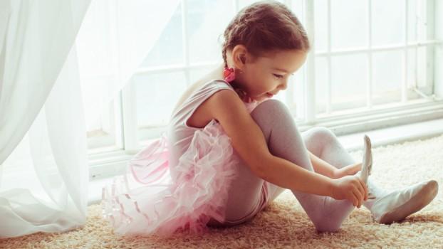 Cum poți dezvolta aptitudinile artistice ale copilului tău: 3 metode eficiente