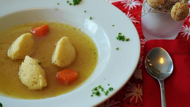 Supă cu găluște: Rețeta perfectă pentru sezonul rece