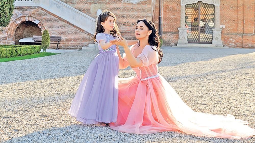 Andreea Marin, mândră de fiica ei! Cum a convins-o să mănânce salate