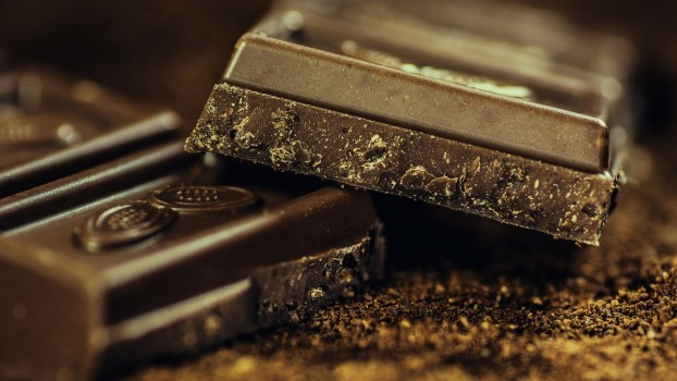 Ciocolată care se albeşte nu este dăunătoare pentru copii. Care sunt însă cauzele albirii