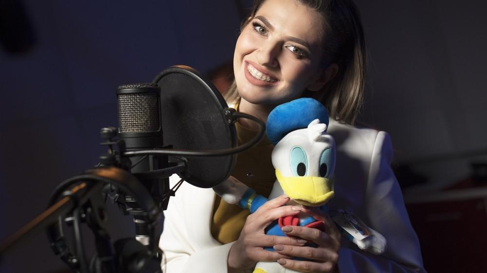 """Lidia Buble interpretează coloana sonoră din serialul """"Povestirile Rățoiului"""", la Disney Channel"""