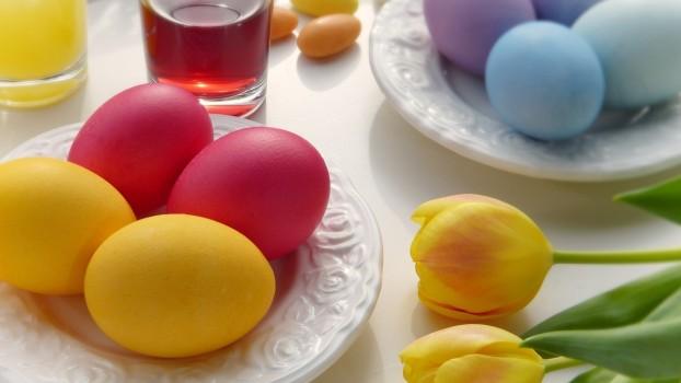 Atenție la vopseaua pentru ouăle de Paști! Ce afecțiuni pot provoca E-urile din compoziție