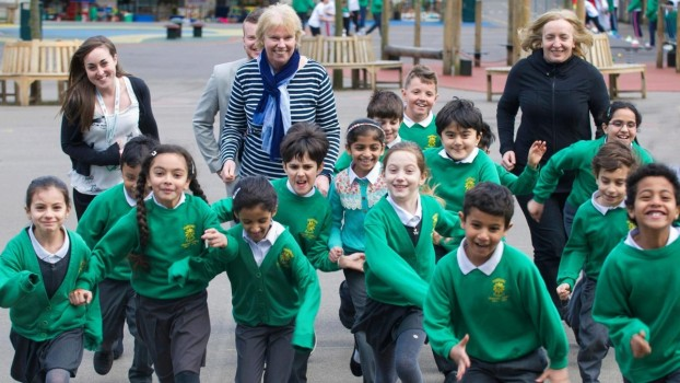 Alergarea zilnică pentru copii. Cum poți rezolva problemele de atenție la școală și de obezitate alergând 1,6 kilometri