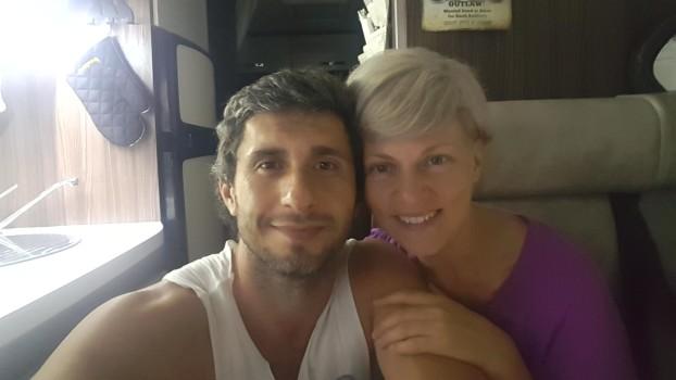 O nouă schimbare de domiciliu! Dana Nălbaru și Dragoș Bucur împreună cu cei 3 copii se mută în Irlanda