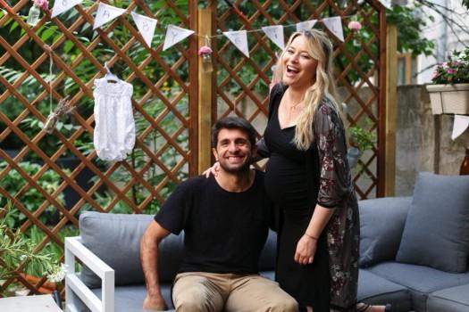 Laura Cosoi a devenit mămică! Actriţa a publicat prima imagine şi a dezvăluit numele bebeluşului