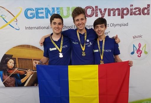 3 liceeni din echipa Quantum Robotics au câștigat medalia de aur la competiția Genius International High School din Oswego