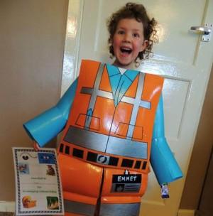Pasiune pentru Lego: costum Emmet full-size