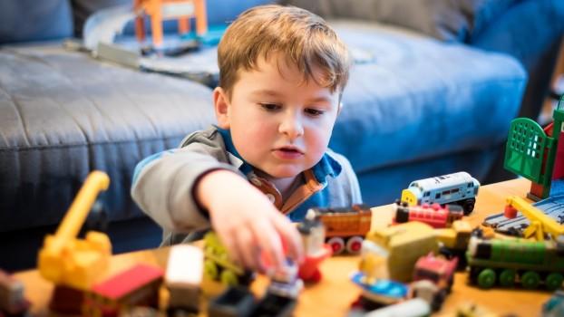De ce joaca de unul singur este importantă pentru un copil