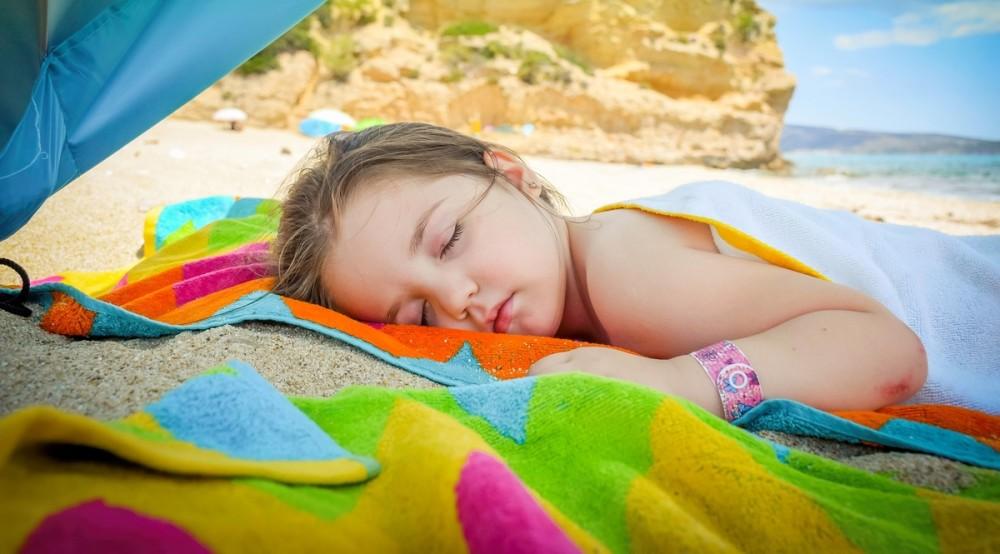 COD ROȘU de caniculă: Ce boli apar la copii în sezonul estival