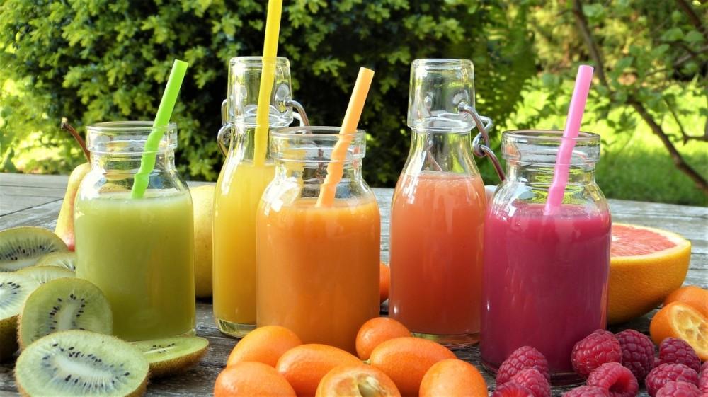 Energie la pahar! 7 rețete de smoothies și sucuri naturale pentru mofturoși