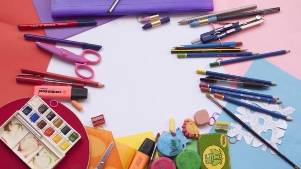 Ce ar trebui să conțină ghiozdanul în primul an de școală? Lista rechizitelor școlare pentru clasa pregătitoare