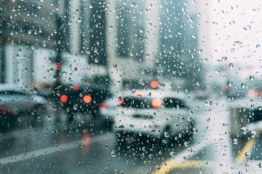 Cod GALBEN de furtuni în Capitală. Programul elevilor se încheie azi la ora 17.00