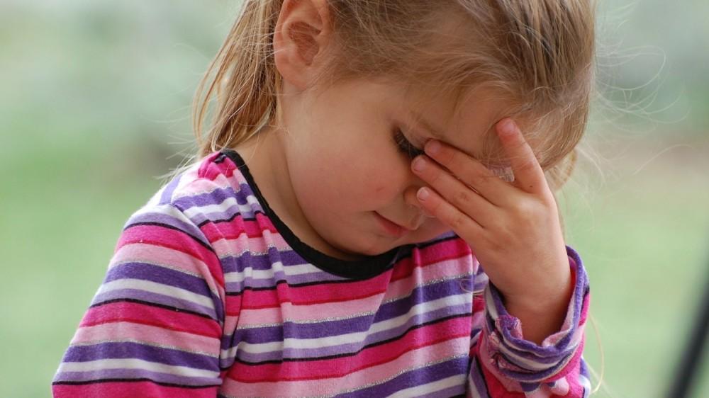 Durerile de cap la copii. Când este cazul să te alarmezi și să suni la Urgențe
