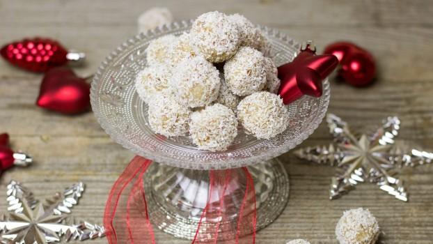 Răsfăț de Crăciun: Bomboanele Raffaello făcute în casă