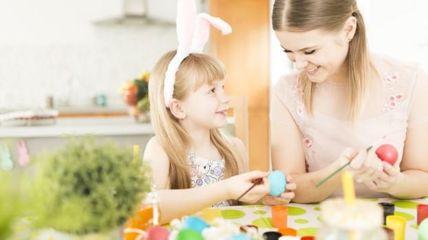 7 idei distractive de a vopsi ouăle de Paște