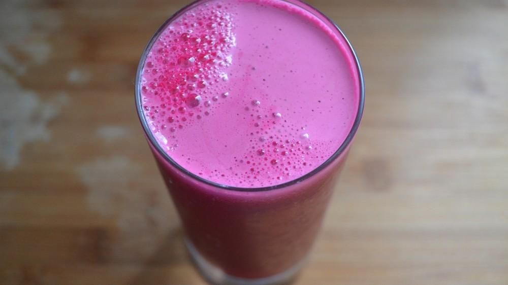 Toxină periculoasă descoperită într-un suc de mere și sfeclă roșie. Produsul a fost retras din magazine