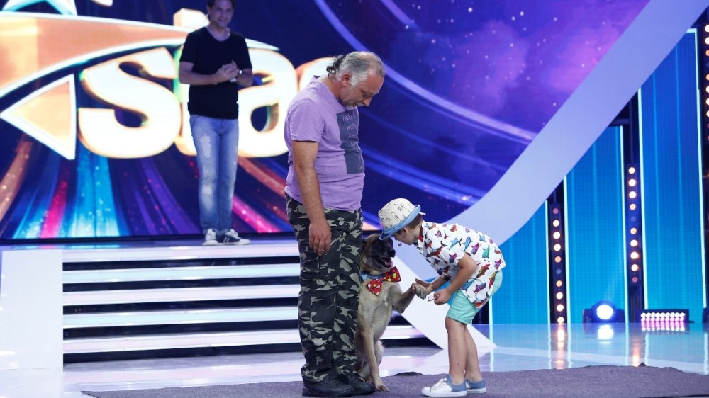 """Finala de popularitate """"Next Star"""": magie și dresură de câini,  gimnastică și teatru de păpuși, acrobații la bară și umor"""