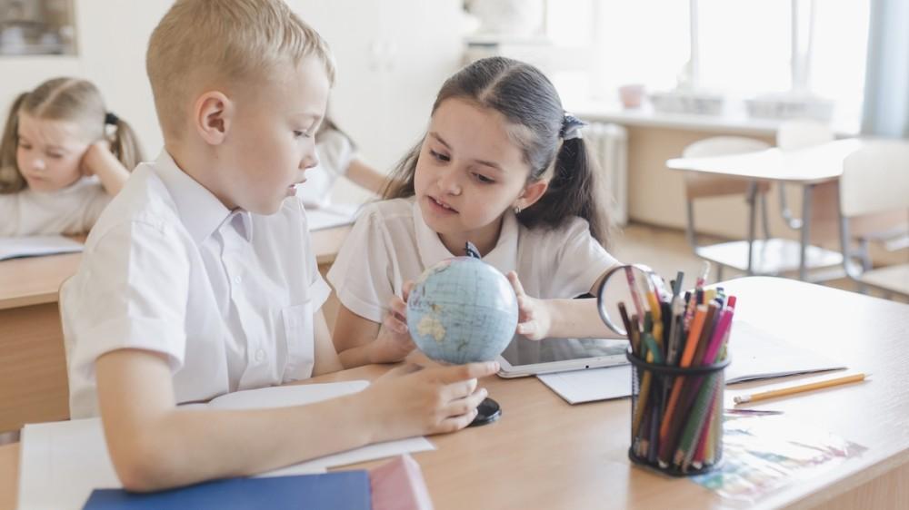 Ce drepturi și obligații au elevii în noul an școlar potrivit legii