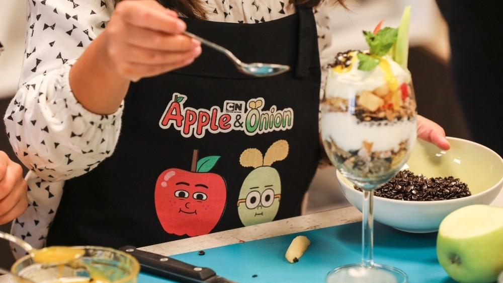3 rețete distractive cu măr și ceapă pe placul copiilor
