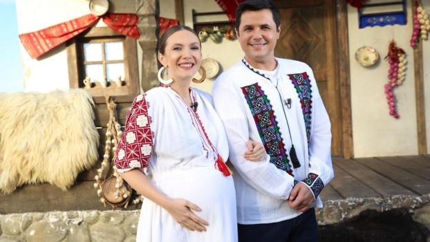 Adela Popescu a născut un băiețel sănătos